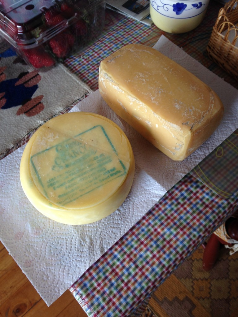 Real Chanco Cheese, made in Chanco, Chile 2015 Photo DJoslyn